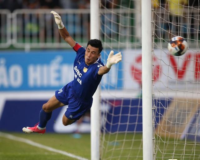 ẢNH: Hoàng Anh Gia Lai thắng tối thiểu DNH Nam Định (Vòng 4 V.League 2020) - Ảnh 7.