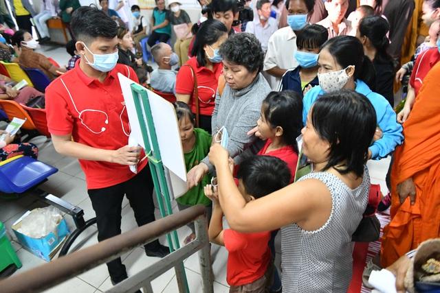 Gần 1.000 trẻ em được khám tầm soát tim bẩm sinh tại Kiên Giang - Ảnh 4.