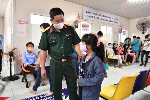 Gần 1.000 trẻ em được khám tầm soát tim bẩm sinh tại Kiên Giang - Ảnh 9.