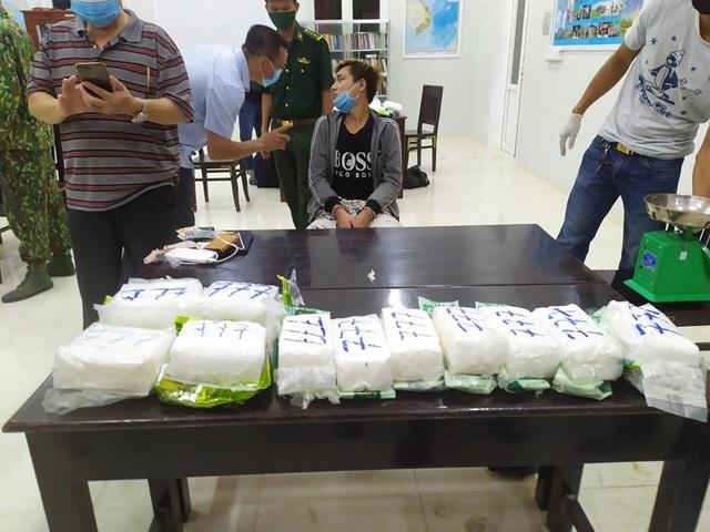 Triệt phá đường dây ma túy xuyên quốc gia từ Campuchia vào Việt Nam - Ảnh 3.