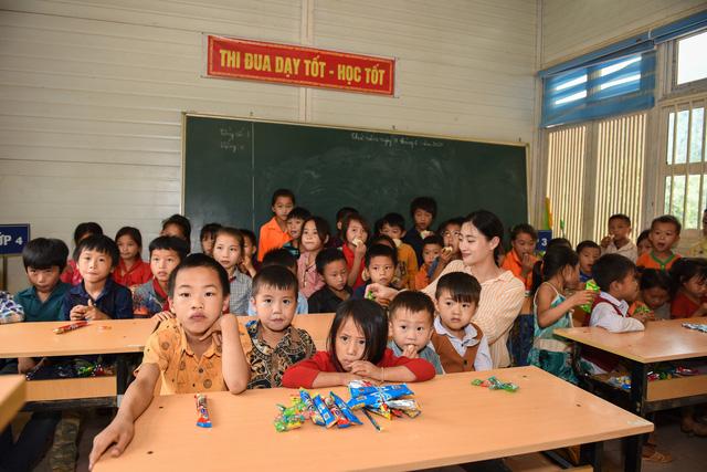 Hoa hậu Lương Thùy Linh khánh thành con đường hơn 2 tỷ đồng - Ảnh 3.