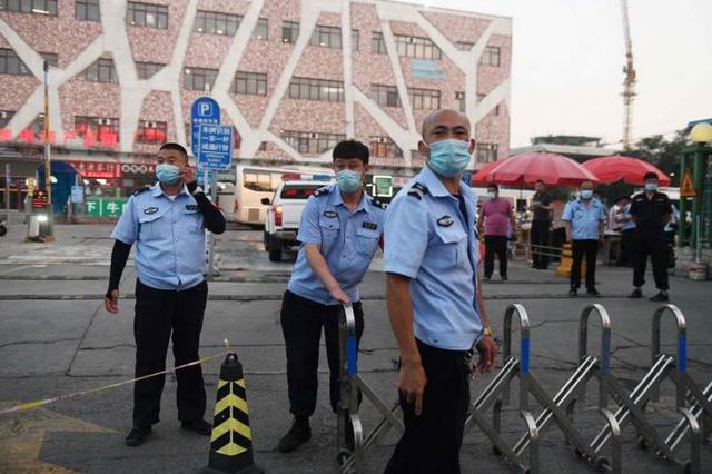 Giải pháp nào để Bắc Kinh không trở thành Vũ Hán thứ hai? - Ảnh 1.