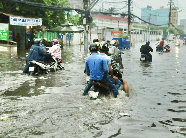 Thời tiết tháng 7: Cả nước mưa nhiều, cuối tháng dự báo có bão - Ảnh 1.