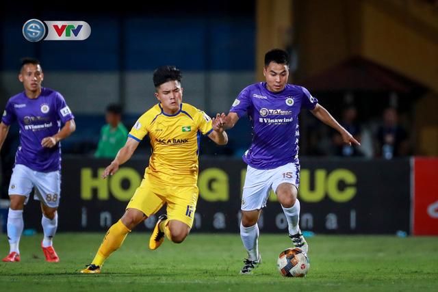 Thắng CLB Hà Nội, Sông Lam Nghệ An vươn lên đẫn đầu BXH V.League - Ảnh 2.