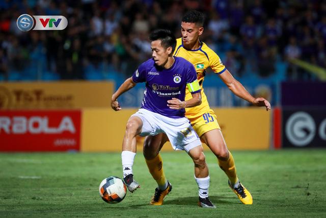 Thắng CLB Hà Nội, Sông Lam Nghệ An vươn lên đẫn đầu BXH V.League - Ảnh 1.