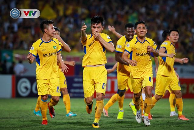 Thắng CLB Hà Nội, Sông Lam Nghệ An vươn lên đẫn đầu BXH V.League - Ảnh 8.