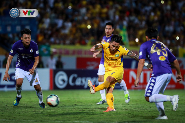 Thắng CLB Hà Nội, Sông Lam Nghệ An vươn lên đẫn đầu BXH V.League - Ảnh 15.