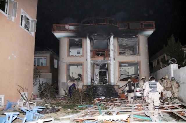 Nổ trường học ở Afghanistan gây thương vong lớn - Ảnh 1.