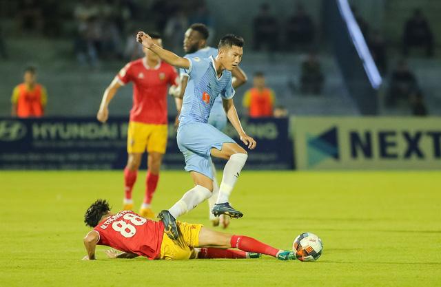 Vòng 5 giải VĐQG LS 2020: Chùm ảnh Hồng Lĩnh Hà Tĩnh hoà 0-0 SHB Đà Nẵng - Ảnh 3.