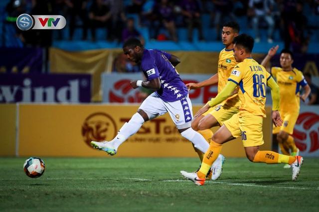 Thắng CLB Hà Nội, Sông Lam Nghệ An vươn lên đẫn đầu BXH V.League - Ảnh 6.