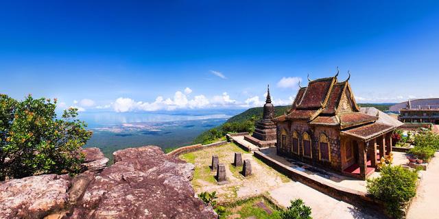 Campuchia yêu cầu du khách nộp trước 3000 USD để phòng ngừa COVID-19 - Ảnh 2.