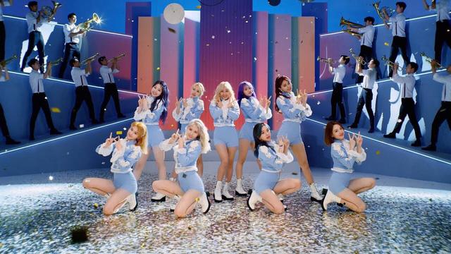 TWICE tiếp tục ra MV mới quảng bá tại Nhật - Ảnh 1.