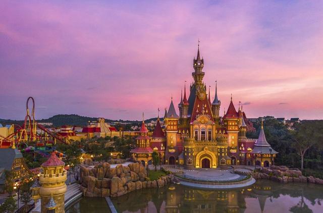 Khai trương công viên chủ đề lớn nhất Việt Nam - Vinwonders Phú Quốc - Ảnh 3.