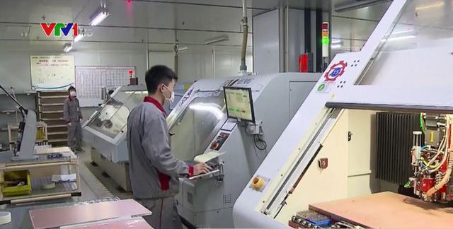 Trung Quốc đối mặt bom hẹn giờ thất nghiệp do dịch COVID-19 - Ảnh 1.
