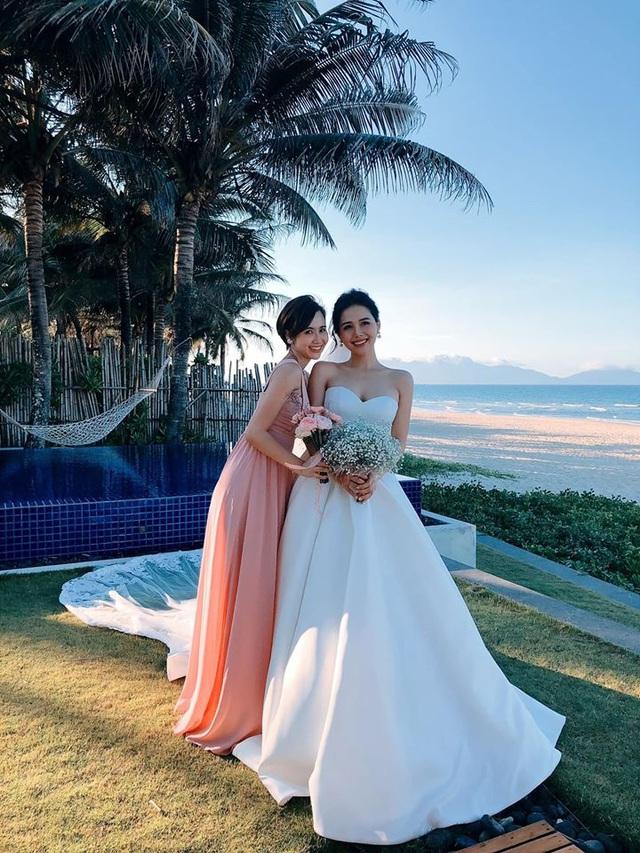 Huyền Lizzie, Vũ Thu Hoài làm phù dâu trong đám cưới Phanh Lee - Ảnh 2.