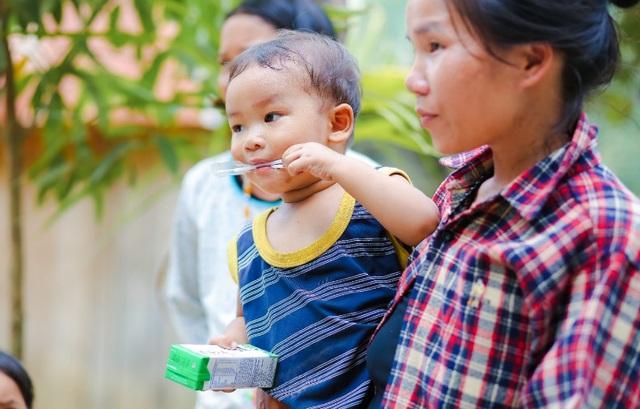 Quảng Nam triển khai Sữa học đường, trẻ em được uống sữa miễn phí - Ảnh 1.