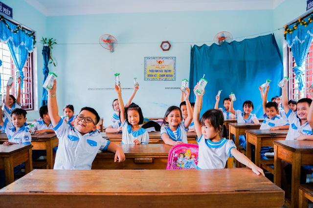 Quảng Nam triển khai Sữa học đường, trẻ em được uống sữa miễn phí - Ảnh 6.
