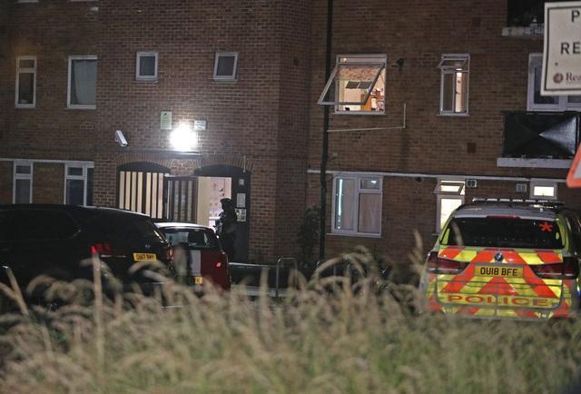 Anh: Tấn công bằng dao nghi ngờ liên quan đến khủng bố khiến 3 người thiệt mạng - Ảnh 2.