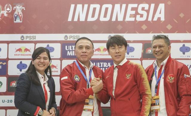 LĐBĐ Indonesia dọa đuổi việc HLV trưởng ĐTQG - Ảnh 1.