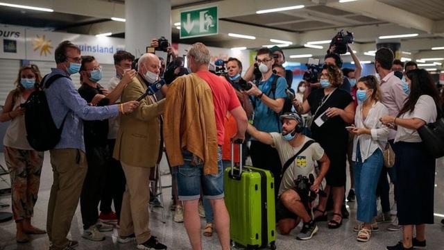 Tây Ban Nha bắt đầu mở cửa biên giới với các nước EU - Ảnh 1.
