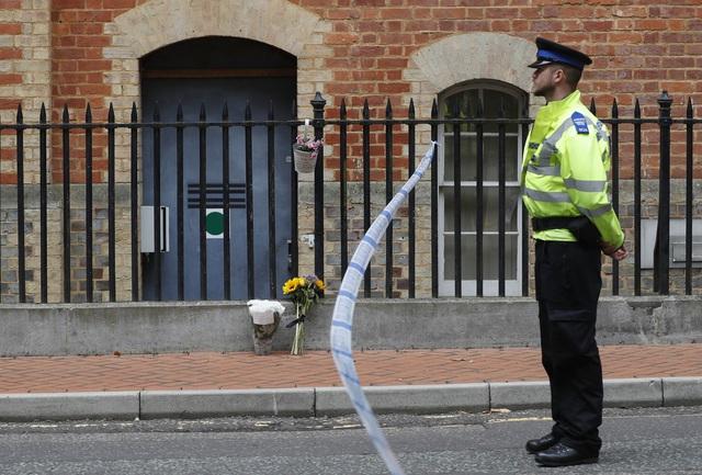 Vụ đâm dao khiến 6 người thương vong: Anh điều tra theo hướng tấn công khủng bố - Ảnh 1.