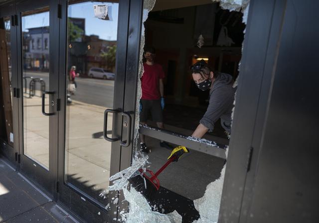 Nổ súng tại Minneapolis (Mỹ), ít nhất 1 người thiệt mạng - Ảnh 1.