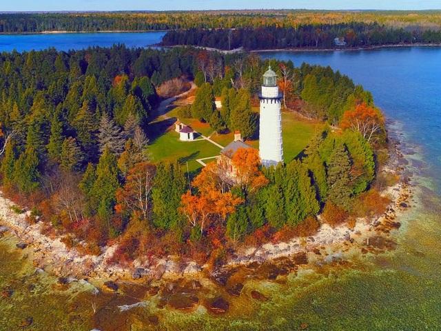 Khám phá 12 vùng đất xinh đẹp như cổ tích tại Mỹ - ảnh 9