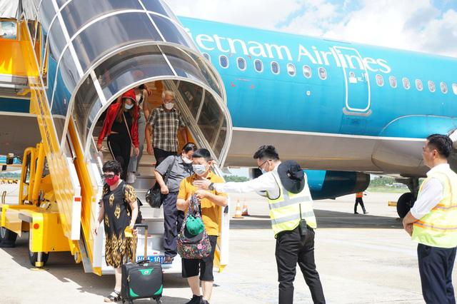 Sếp Vietnam Airlines nói sẽ cắt lỗ bằng mọi cách - Ảnh 1.