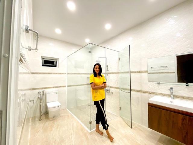 HHen Niê khoe ngôi nhà hiện đại mới sửa sang cho ba mẹ - Ảnh 7.