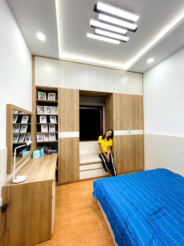 HHen Niê khoe ngôi nhà hiện đại mới sửa sang cho ba mẹ - Ảnh 6.