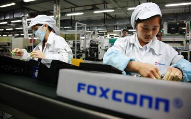 Chủ tịch Foxconn: Việt Nam là trung tâm sản xuất lớn nhất của Foxconn ở Đông Nam Á - Ảnh 1.