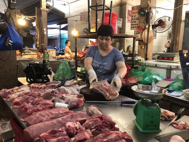 Thịt lợn hơi vẫn ở mức cao, hơn 90.000 đồng/kg - Ảnh 1.