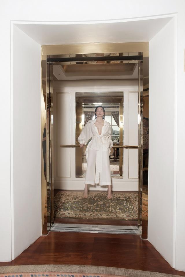 Ngắm Hồ Ngọc Hà và Thanh Hằng trong BST mới của Công Trí, từng xuất hiện trên Vogue Paris - Ảnh 1.
