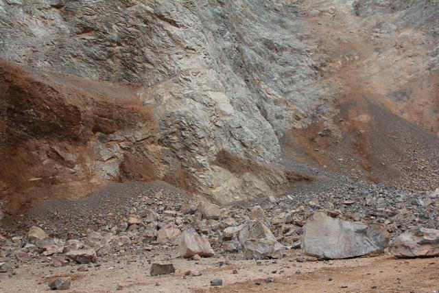 Tai nạn lao động khi khai thác đá, 1 người tử vong - Ảnh 1.