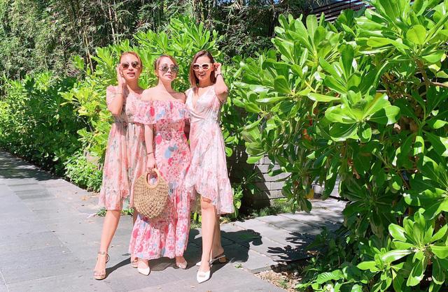Lã Thanh Huyền, Vân Hugo và Quỳnh Nga khoe ảnh bikini nóng bỏng - Ảnh 4.