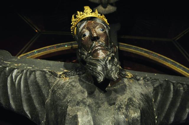 Bức tượng gỗ lâu đời nhất châu Âu bị hiểu nhầm là bản sao suốt hàng nghìn năm - Ảnh 1.