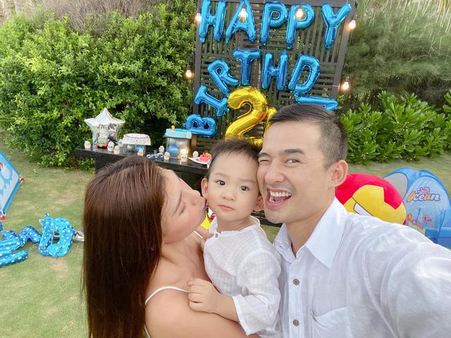 Ngày Gia đình Việt Nam, ngắm khoảnh khắc hạnh phúc bên gia đình của các diễn viên - Ảnh 16.