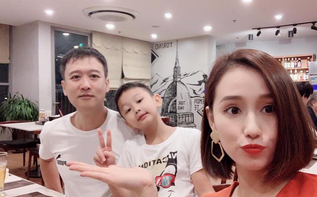 Ngày Gia đình Việt Nam, ngắm khoảnh khắc hạnh phúc bên gia đình của các diễn viên - Ảnh 10.