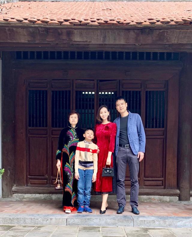 Ngày Gia đình Việt Nam, ngắm khoảnh khắc hạnh phúc bên gia đình của các diễn viên - Ảnh 11.
