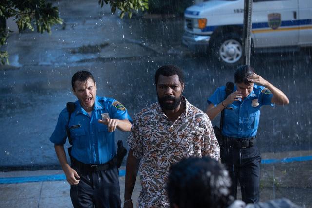Phi vụ bão tố - Phim hành động đầu tiên ra mắt rạp chiếu hè 2020 - Ảnh 2.
