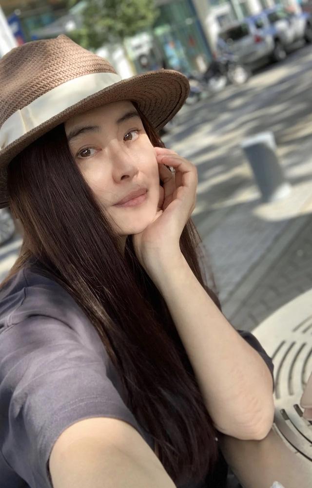 Mỹ nhân đẹp nhất lịch sử Hong Kong vẫn quá đẹp ở tuổi 53 - Ảnh 1.