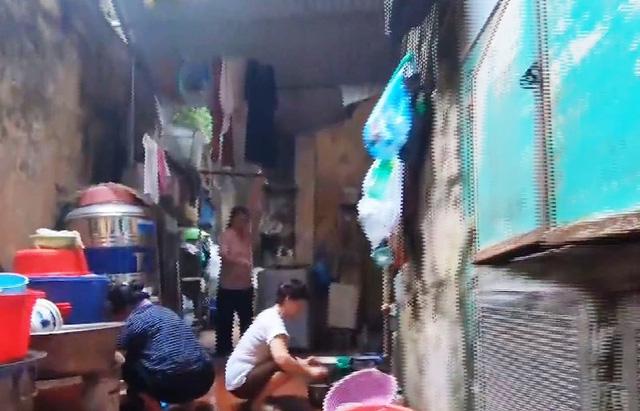 Gia đình tứ đại đồng đường ở phố cổ Hà Nội - Ảnh 2.
