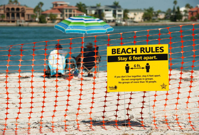 Tiềm ẩn nguy cơ bùng phát COVID-19, chính quyền Anh cảnh báo đóng cửa các bãi biển - ảnh 1