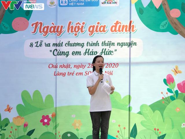 Cùng em háo hức: Lan toả văn hoá đọc trong các gia đình Việt Nam - Ảnh 1.