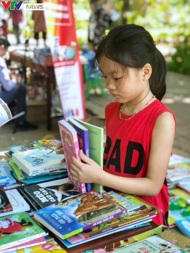 Cùng em háo hức: Lan toả văn hoá đọc trong các gia đình Việt Nam - Ảnh 17.