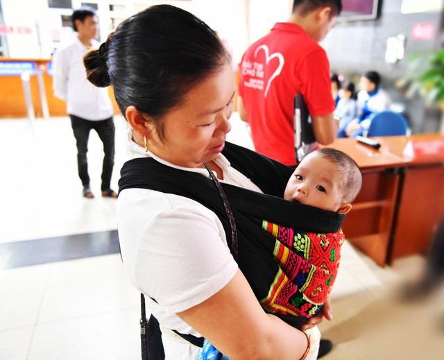 Tầm soát bệnh tim bẩm sinh cho hơn 1.400 trẻ em vùng cao tại Hà Giang - Ảnh 4.