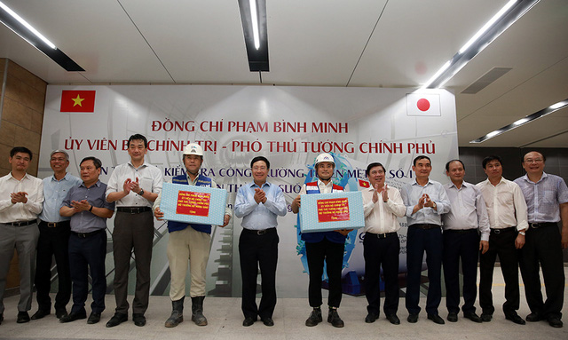Phó Thủ tướng Phạm Bình Minh thị sát tuyến metro số 1 của TP.HCM - Ảnh 11.