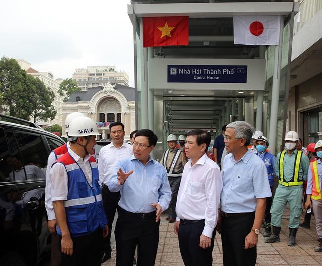 Phó Thủ tướng Phạm Bình Minh thị sát tuyến metro số 1 của TP.HCM - Ảnh 12.