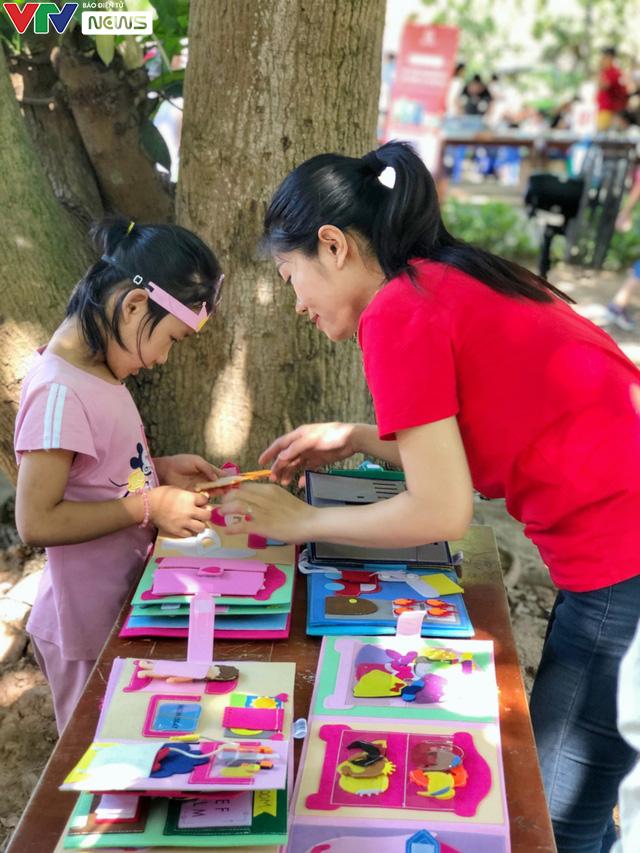 Cùng em háo hức: Lan toả văn hoá đọc trong các gia đình Việt Nam - Ảnh 10.