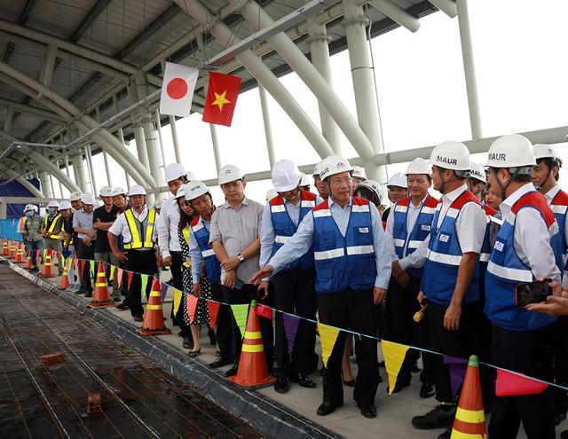 Phó Thủ tướng Phạm Bình Minh thị sát tuyến metro số 1 của TP.HCM - Ảnh 4.